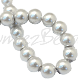 04037 Glasparel LightGrey 3-4mm; gat 0,5mm 1 streng ±30cm