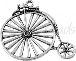 03841 Hanger hoge bi (Vélocipède) Antiek zilver (Nikkelvrij) 53mmx46mm 1 stuks