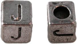 01162 Vierkante letterkraal J Antiek zilver