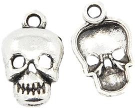 04430 Bedel Doodshoofd Antiek zilver (Nikkelvrij) 16mmx10mmx2,5mm; Gat 2mm 5 stuks