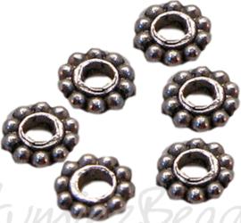00787 Spacer daisy Antiek zilver 6mm 12 stuks