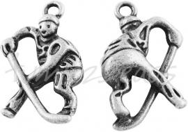 03850  Bedel Hockeyspeler  Antiek zilver (Nickel vrij)  25mmx16mmx6mm