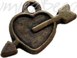 00597 Bedel hart + pijl Antiek koper