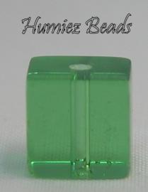 02741 Glaskraal vierkant Groen 8mm 1 streng (±30cm)