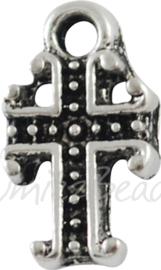 02828 Bedel kruis klein Antiek zilver (Nickel vrij) 11mmx6,5mmx2mm; gat 1mm ±15 stuks