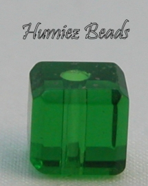 02722 Glaskraal vierkant facet geslepen Donker groen 6mm 12 stuks