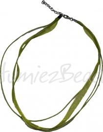 OL-0005 Organzalintketting met 3 waxkoorden Licht groen 45cm 1 stuks