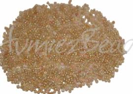 02645 Rocailles transparant regenboog kern Beige 12/0 (2mm) 20 gram