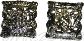 04198 Tussenstuk bloemornament Antiek zilver (Nikkelvrij) 22mmx24mmx5mm; gat 1,5mm 2 stuks