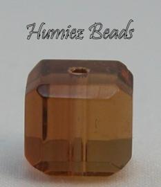 02750 Glaskraal vierkant facet geslepen Bruin 8mm 1 streng (±30cm)