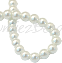 04043 Glasparel White 3-4mm; gat 0,5mm 1 streng ±30cm