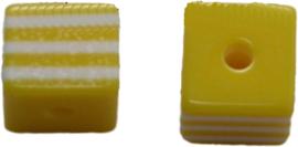01344 Resin Vierkante kraal Geel/wit 8mm; gat 2mm 11 stuks