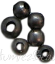 02484 Spacer Zwart (nikkelvrij)2mm ± 200 stuks