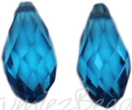 04352 Glaskraal druppel Licht blauw 10mmx20mm; gat 1mm 2 stuks