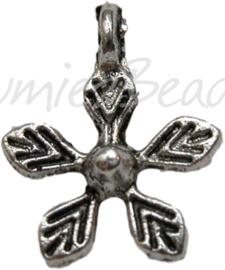 00211 Bedel bloem klein Antiek zilver (Nikkel vrij) 11 stuks