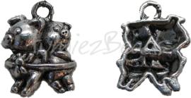 00040 Bedel dansende varkens Antiek zilver (nikkelvrij) 22mmx16mm