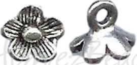 04264 Bedel bloem Antiek zilver (Nikkelvrij) 8mmx9mm; gat 2,5mm 5 stuks
