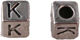 01163 Vierkante letterkraal K Antiek zilver