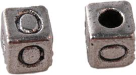 01167 Vierkante letterkraal O Antiek zilver