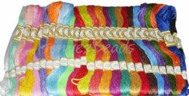 EM-0001 Borduurgaren Mix-color 6-draads; 8 meter per bundel 25 bundels