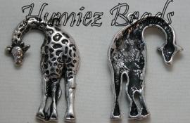 03051 Hanger giraf Antiek zilver (Nickel vrij) 46mmx30mm