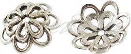 01382 Kralenkap dubbele bloem Antiek zilver (Nikkel vrij) 8 stuks