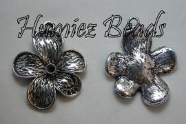 03044 Hanger bloem Antiek zilver 52mmx40mmx6mm