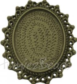 03217 Tussenstuk cabochon setting Antiek zilver (Nickel vrij) 36mmx30mmx4mm; binnenzijde 26mmx19mm 1 stuks