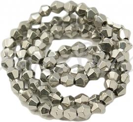 02595 Glaskraal metalized bicone Zilvergrijs 4mm 1 streng (±30cm)