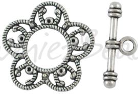 03362 Kapittelslot fraai Antiek zilver (Nikkelvrij) 26mmx25mmx2mm; staafje 9mmx24mmx4mm; gat 3mm 2 stuks