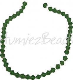 00257 Tjechische glaskraal streng ±35cm Groen 8mm 1 streng