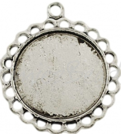 03272 Hanger cabochon setting Antiek zilver (Nickel vrij) 30mmx26mmx2mm; binnenzijde 18mm 1 stuks