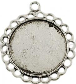 03272 Hanger cabochon setting Antiek zilver (nikkelvrij) 30mmx26mmx2mm; binnenzijde 18mm 1 stuks