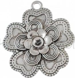 02685 Bedel bloem Antiek zilver (Nickel vrij) 55mmx51mm