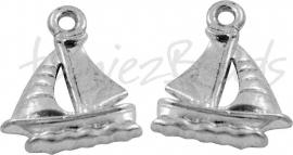 00547  Bedel zeilboot  Antiek zilver (Nikkel vrij)  20mmx16mmx2mm