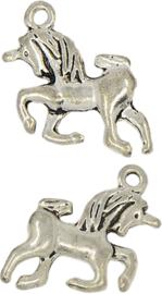 04467 Bedel Eenhoorn Antiek zilver (Nikkelvrij) 15,5mmx15,5mmx4mm; gat 1,5mm 1 stuks