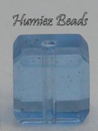 02720 Glaskraal vierkant facet geslepen Licht blauw 6mm 12 stuks
