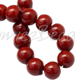 04026 Glasparel Darkred 3-4mm; gat 0,5mm 1 streng ±30cm