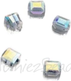 04219 Handgemaakte glaskraal Vierkant Transparant AB-color 4mmx4mm; gat 1mm 5 stuks
