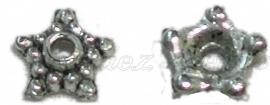 00454 Kralenkap ster Antiek zilver (Nikkel vrij) 3mmx9mm 12 stuks