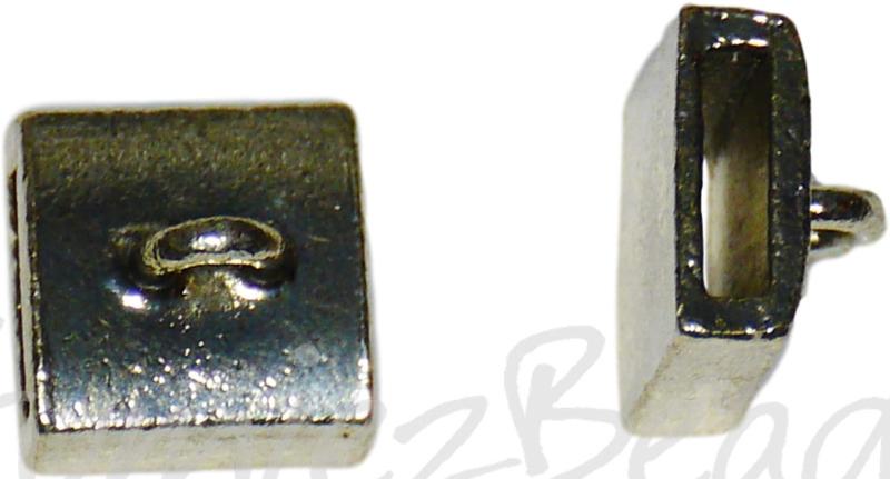 03241 Leerschuiver met oog Antiek zilver 9mmx9mmx0,8mm; gat 6mmx2mm; oog 2,5mm 4 stuks