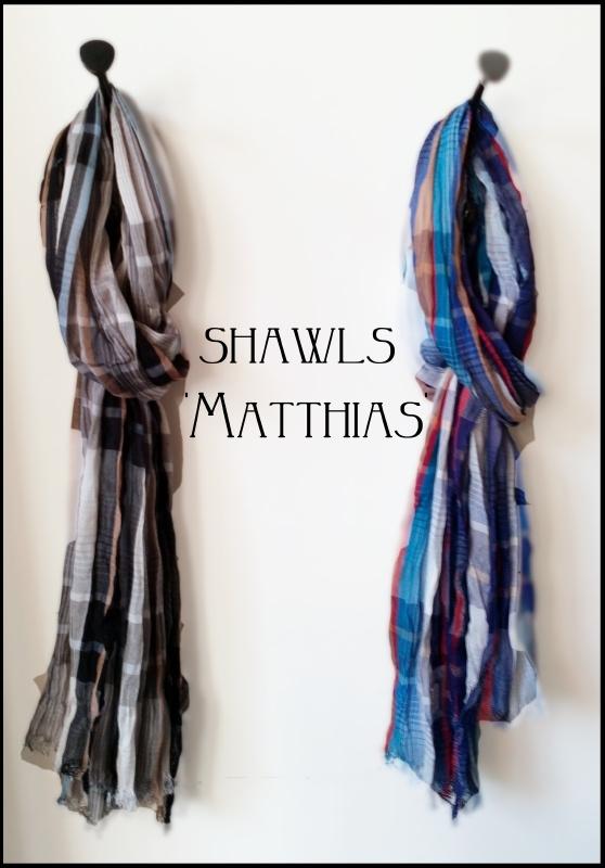 Shawl 'Matthias' blauw/bruin/zand geruit - handgeweven viscose/polyester - FI