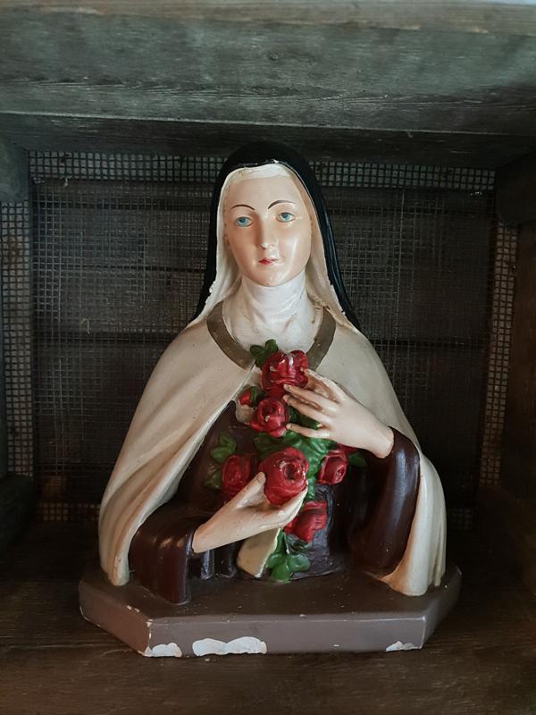 Theresia buste