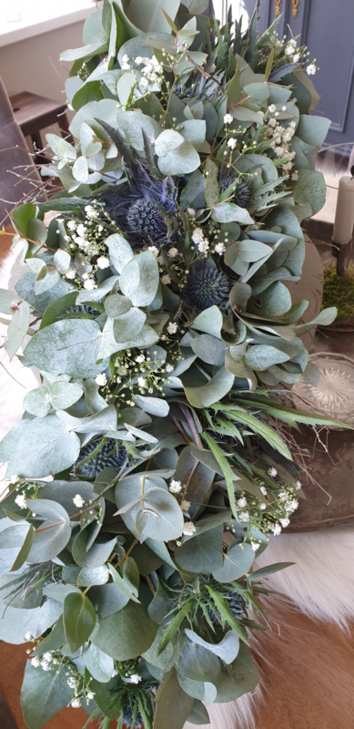 Festoen van Eucalyptus, Distel en Gipskruid