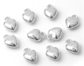 bedeltjes - 10 zilverkleurige hartjes