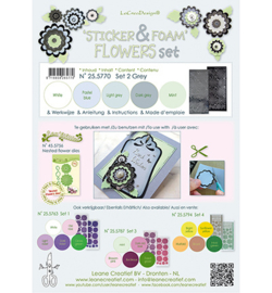Leane Creatief 255770 - Foam Grey en 2 nested flower stickers