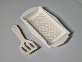 Societe Ceramique creme Aspergeschaal met bijbehorende aardewerk schep