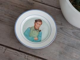 Societe Ceramique Wandbord Sierbord ø 22,5 cm Oud Hollands Man met Pijp