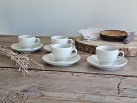 Petrus Regout wit set 4x Hotelporselein Espresso Kop en schotel (oude bruine stempel)