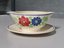 Boerenbont Societe Ceramique blauw-rode bloem Juskom op vaste onderschotel